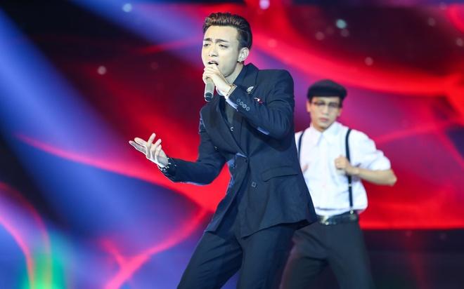 Soobin Hoang Son bung no khi lan dau hat nhac 'sen' hinh anh 1