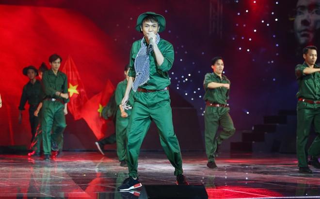 Soobin Hoang Son bung no khi lan dau hat nhac 'sen' hinh anh 11