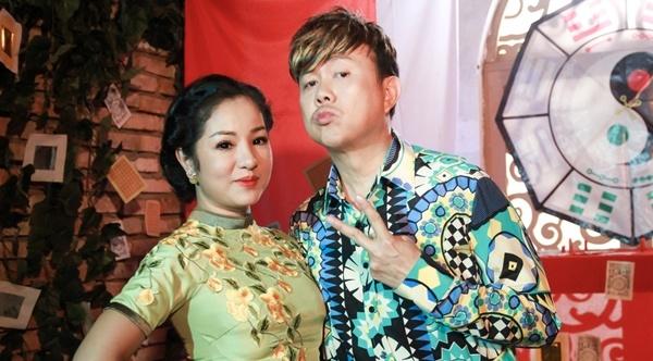 Chi Tai gia thay boi de cua cam Thuy Nga hinh anh