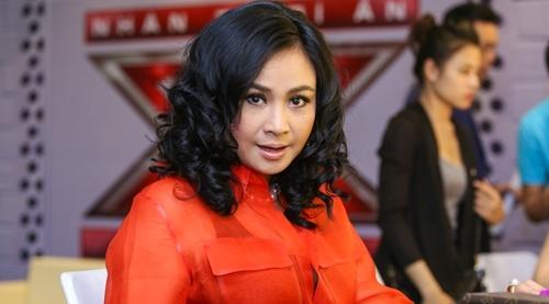 Thanh Lam thay Ho Ngoc Ha ngoi ghe nong X Factor hinh anh
