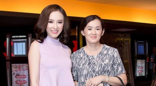 Angela Phuong Trinh di su kien cung me hinh anh