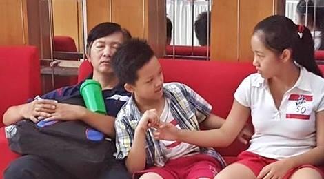 Phu huynh ke chuyen nhoc nhan dua con di thi game show hinh anh