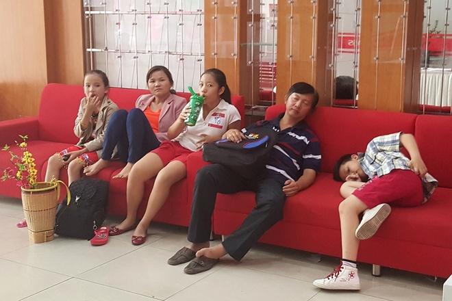 Phu huynh ke chuyen nhoc nhan dua con di thi game show hinh anh 3