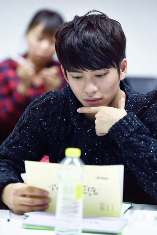 Kang Tae Oh gio ra sao sau phim 'Tuoi thanh xuan'? hinh anh 2