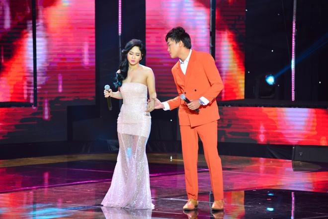 'Ban sao Dan Nguyen' bi Quang Linh mang tren san khau hinh anh 1