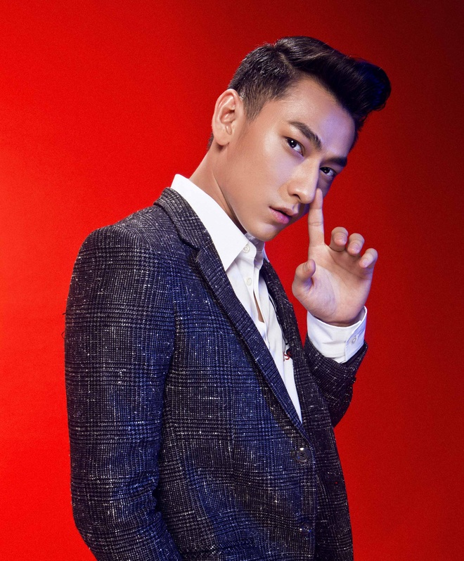 Isaac ngoi ghe nong Vietnam Idol Kids hinh anh 1