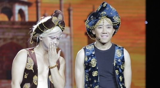 Live show Tran Thanh hay hon mong doi hinh anh