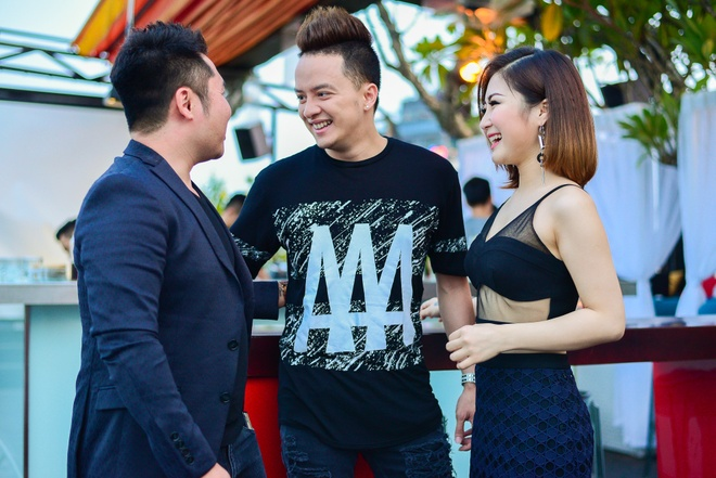 Huong Tram khoa moi ban dien dien trai trong MV hinh anh 6