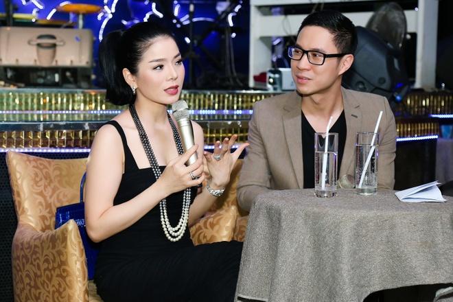 Hien Thuc mac tre trung den chuc mung Le Quyen hinh anh 5