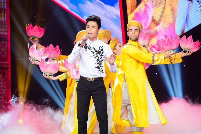Chang trai ban keo keo bi loai khoi Than tuong bolero hinh anh 1