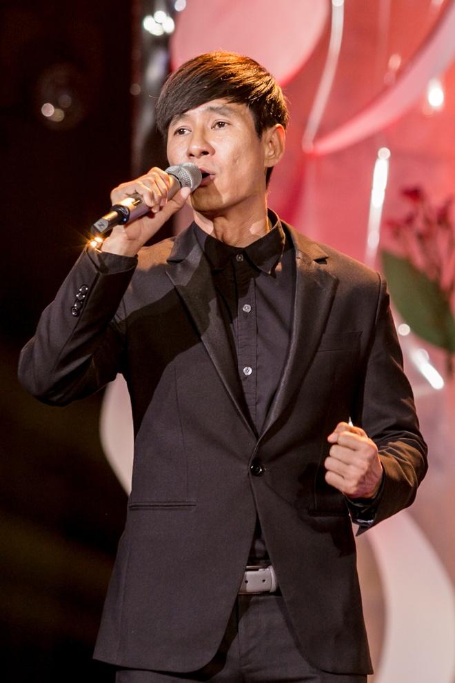 Ly Hai phong do tren san khau Thay loi muon noi hinh anh 2