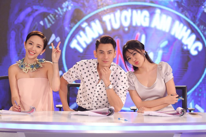 Cau be hat dam cuoi gay nghen ngao o Vietnam Idol Kids hinh anh 3