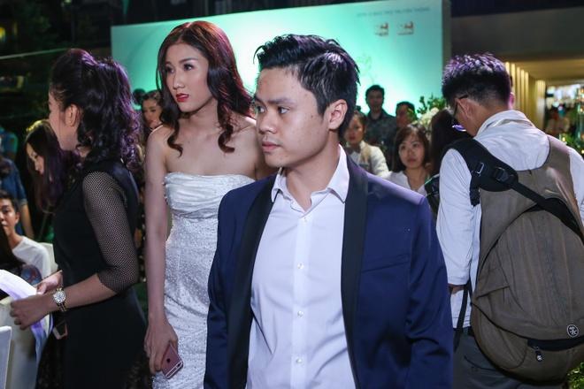 Tran Thanh di su kien sau tai tieng bop meo 'To Anh Nguyet' hinh anh 9