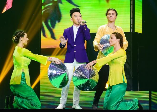 Quang Linh nhac nho khan gia co vu cho hot boy 18 tuoi hinh anh 1