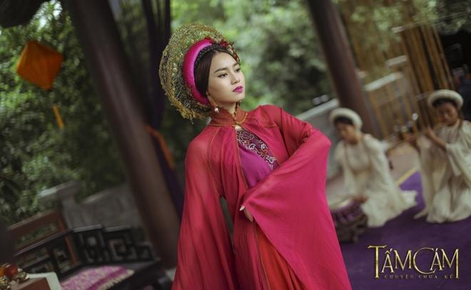 'Trang phuc Tam Cam khong giong phim co trang Trung Quoc' hinh anh 1