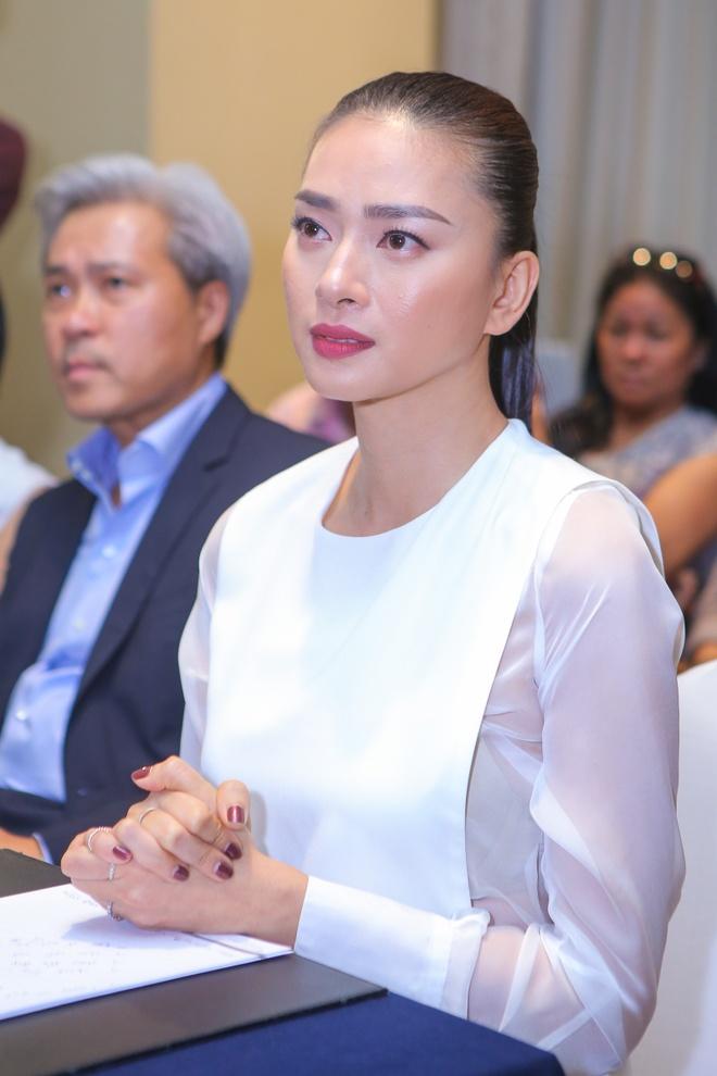 Hong Nhung, Linh Nga ne phuc Ngo Thanh Van hinh anh 2