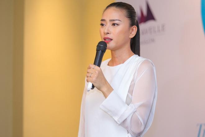 Hong Nhung, Linh Nga ne phuc Ngo Thanh Van hinh anh 3