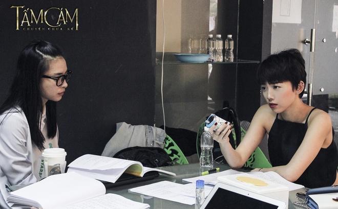Toc Tien bo vai Cam du duoc Ngo Thanh Van 'do ni dong giay' hinh anh 1