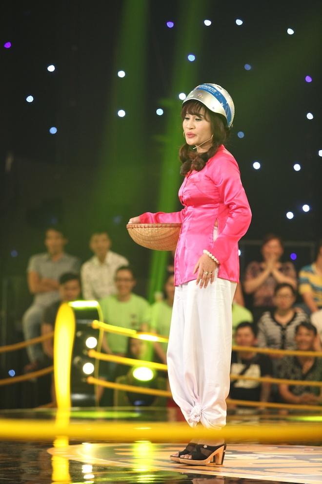 Tran Thanh khoc lien tuc tren ghe nong Dau truong tieu lam hinh anh 3