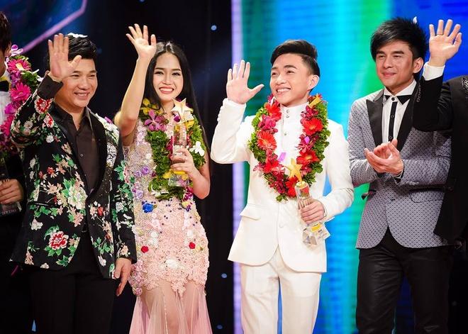 Trung Quang dang quang quan quan Than tuong bolero hinh anh