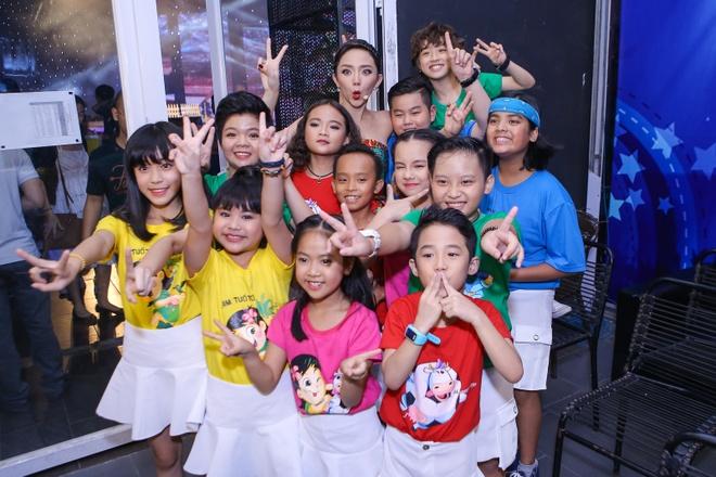 Toc Tien, Van Mai Huong xinh dep khi lam giam khao hinh anh 8