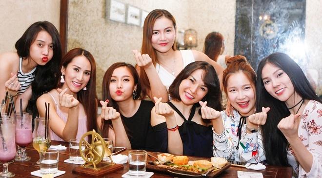 May Trang len ke hoach tai hop 10 thanh vien hinh anh