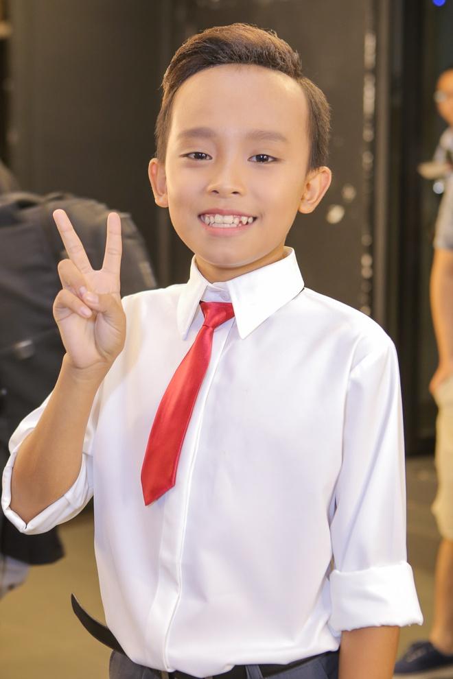 Isaac tranh thu 'lay long' thi sinh Vietnam Idol Kids hinh anh 8