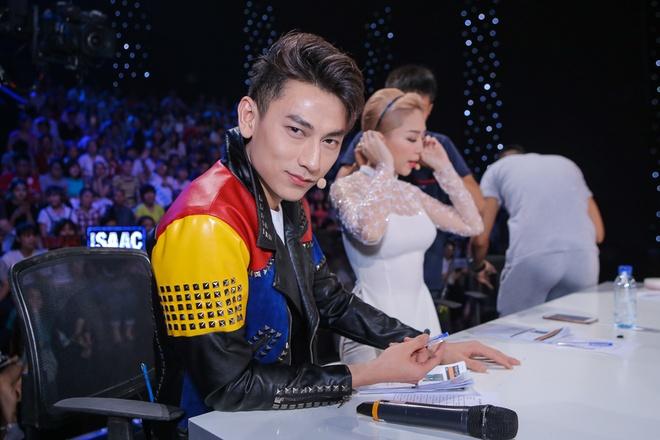 Isaac tranh thu 'lay long' thi sinh Vietnam Idol Kids hinh anh 5