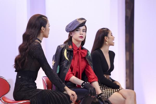 Vi sao Ha Ho che Pham Huong chua du kinh nghiem day catwalk? hinh anh 1