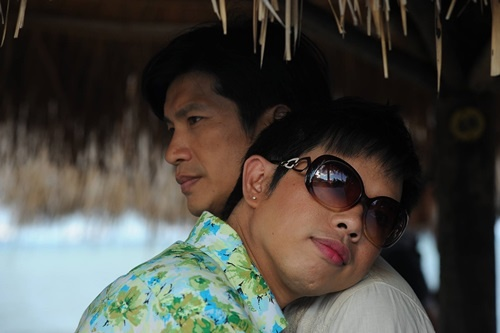 'Vua phong ve' Thai Hoa: Thich hon Dustin Nguyen nhat hinh anh