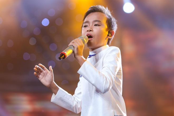 'Ho Van Cuong khong de dang len ngoi quan quan Idol Kids' hinh anh 2