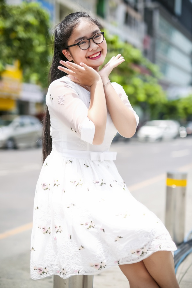 Thien Nhan so bi so sanh voi Phuong My Chi anh 1