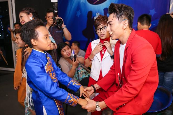 Thi sinh Vietnam Idol Kids cang thang truoc dem ban ket hinh anh 1