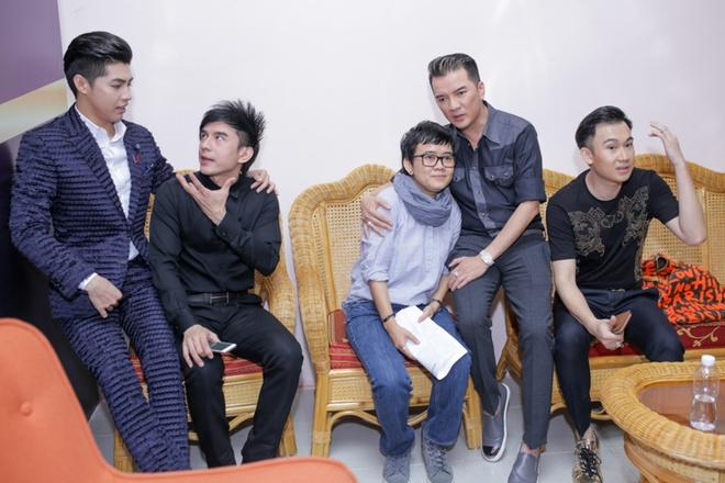 Chi em Cam Ly - Minh Tuyet doi lap phong cach khi quay hinh hinh anh 11