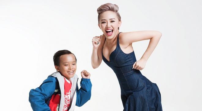 Toc Tien tinh nghich ben dan thi sinh Vietnam Idol Kids hinh anh