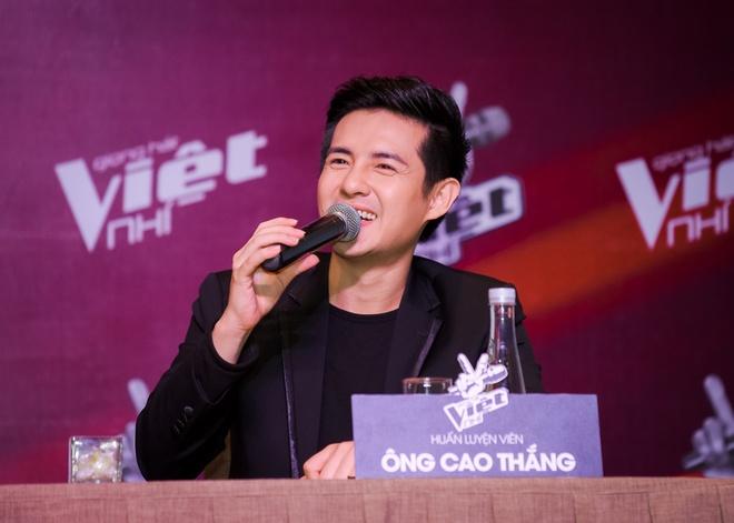Dong Nhi, Noo Phuoc Thinh xin loi vi di hop bao tre 1 tieng hinh anh 7