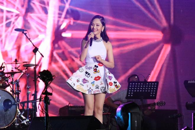 Miu Le, Chi Pu thay phien dot nong san khau Viral Fest Asia hinh anh 2
