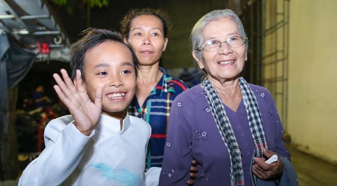 Ho Van Cuong muon danh tien thuong 200 trieu dong de di hoc hinh anh