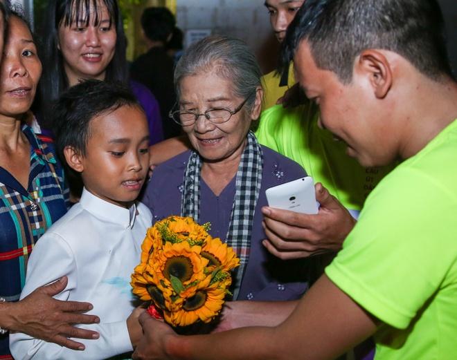 Ho Van Cuong muon danh tien thuong 200 trieu dong de di hoc hinh anh 4