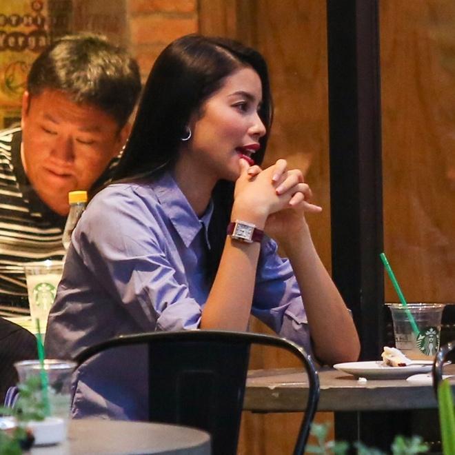 Pham Huong di hat karaoke de giai toa stress o The Face hinh anh 5