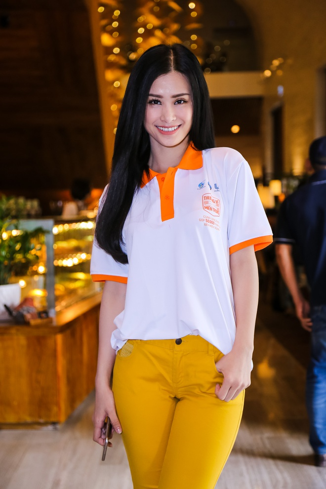 Pham Huong, Chi Pu tham gia su kien tu thien hinh anh 7