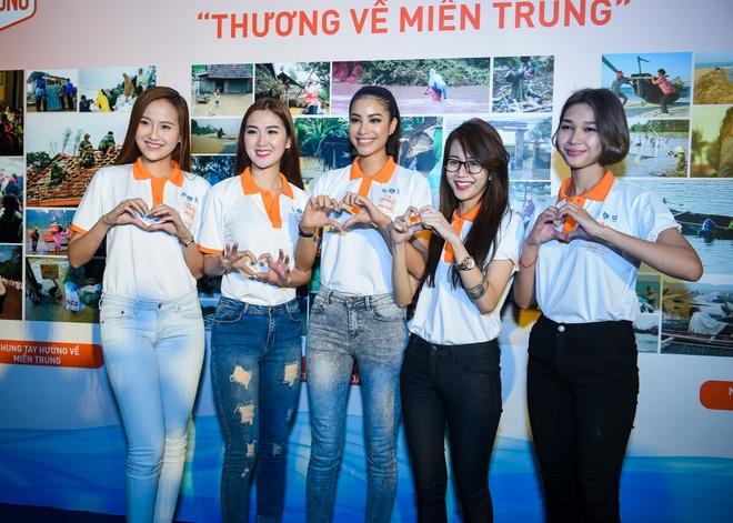 Pham Huong, Chi Pu tham gia su kien tu thien hinh anh 4