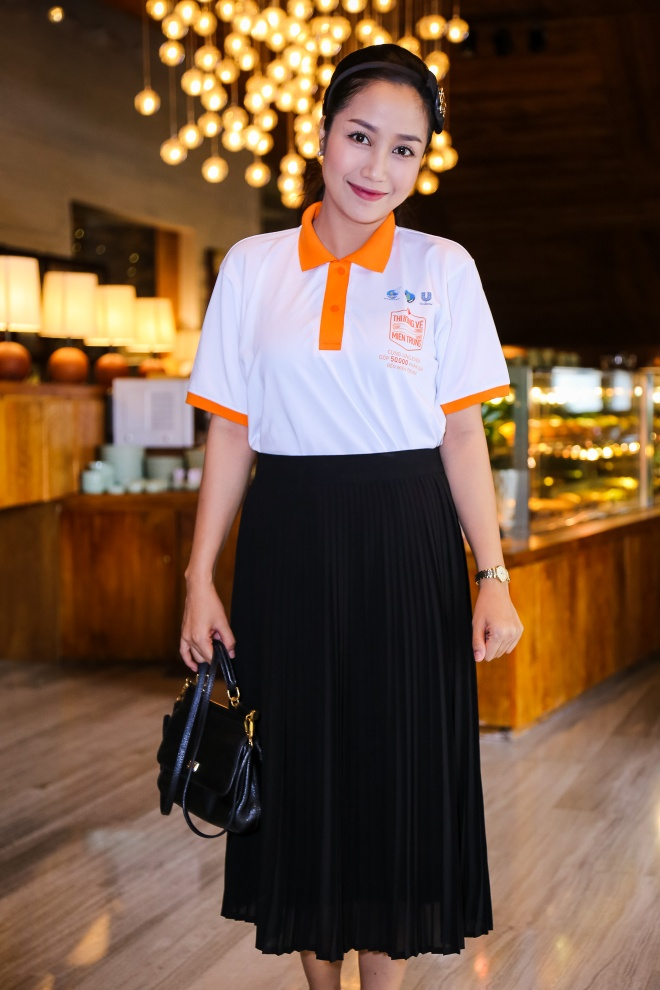 Pham Huong, Chi Pu tham gia su kien tu thien hinh anh 8