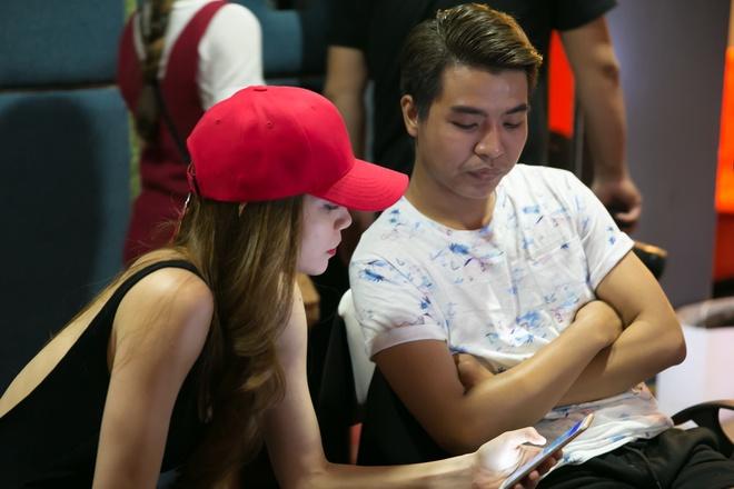 Ho Ngoc Ha day hoc tro The Face hat, nhay hinh anh 1