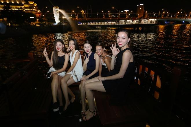 Ho Ngoc Ha dan hoc tro The Face ra mat tai Singapore hinh anh 9