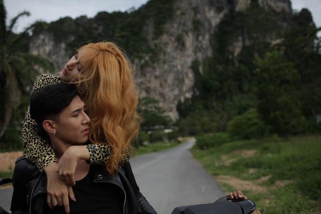 Bi Cuc tuyt coi, Huong Giang tung teaser MV khong canh 18+ hinh anh 1