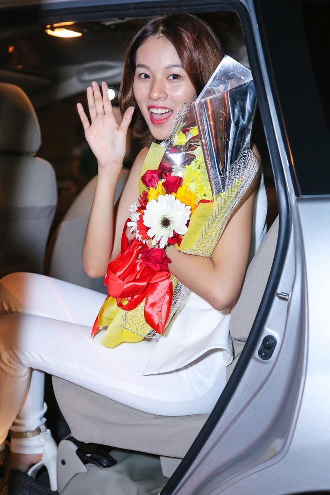 Ho Ngoc Ha, Phi Phuong Anh mac sanh dieu di giao luu hinh anh 12