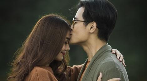 Ha Anh Tuan va Thanh Hang om hon trong MV hinh anh