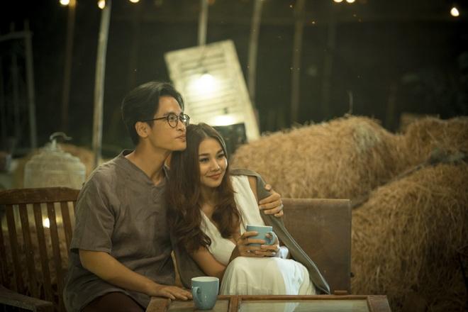 Ha Anh Tuan va Thanh Hang om hon trong MV hinh anh 5