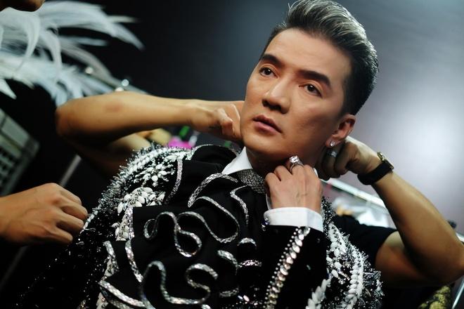 Live show Dam Vinh Hung: Mau me, diem dua va lam qua! hinh anh 2